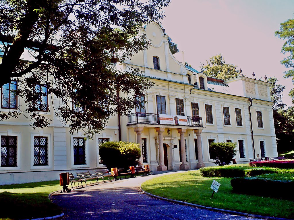 Wyjście do Pałacu Mieroszewskich, na Zamek i na Wzgórze