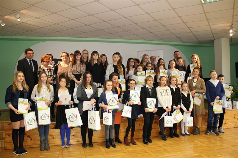 Sukcesy młodszej grupy teatralnej prowadzonej przez p. Mirosławę Toll-Wnentrzak